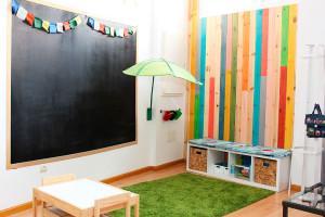Sala de espera niños en EmMe Fisioterapia